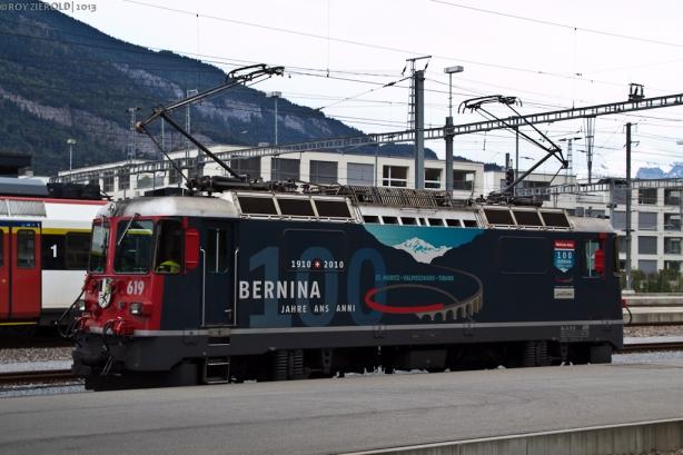 Im Bahnhof von Chur stand die Bernina-Werbelok Ge 4/4 II 619 abgestellt.